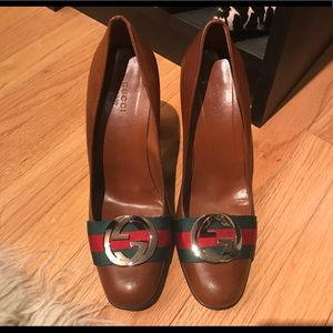 Classic Gucci GG Web Leather Pumps